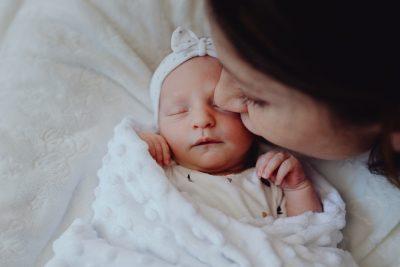 portrait-bebe-maman-nouveau-ne